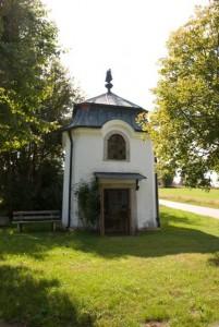 """Gemeindebilder Freyung m. Kreuzberg, Brünndlkapelle in Kreuzberg am """"Weg der Besinnung""""."""